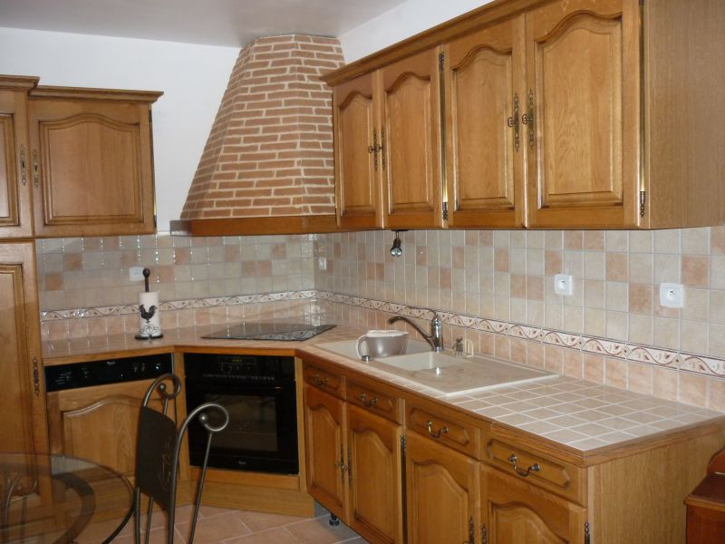 La d co de laetitia - Peinture pour meubles de cuisine en bois verni ...